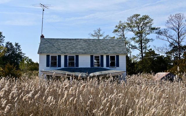 Abandoned home on Maryland's Eastern Shore. When it comes to vulnerability to sea level rise, Dorchester County is ground zero.